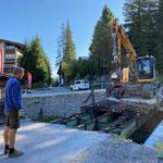 Ab- und Wiederaufbau Brücke Jägerheim unter Mithilfe Radbagger Schneider Erdbau