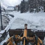 Schneeräumung Uferpromenade, mit Lader 524