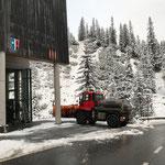 Schneeräumung beim Heizwerk Lech