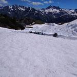 Schneefräsarbeiten für Skilifte Lech Richtung Kriegerhorn, im Hintergrund die Kriegeralpe