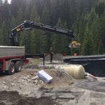 Schüttarbeiten mit Unterstützung von Fa. Elsensohn