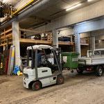 Container abladen am Bauhof, Mülldienst
