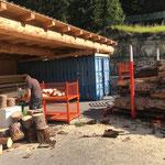 Brennholz richten für Grillplätze
