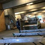 Bank/Tischgarnituren Schulplatz/Spielplatz zum Bauhof bringen und versorgen