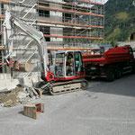 Materialtransporte beim Gemeindezentrum, mit U530