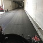 Holder Kehrmaschine im Einsatz im Tunnel Oberlech
