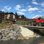 Abbau alte vordere Butzenbrücke: Abtransport mit U1600 und Nachlaufgerät