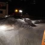 Schneedepot abschieben am Tannberg, mit Pistenbully Paana...