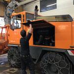 Rolba 1500 Service und Vorbereitung für Schneeräumung, Leuchtmitteltausch in der Werkstatt