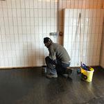 Postgarage Waschhalle - Boden malen