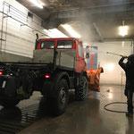 Unimog 1600 für Pflugdienst aufbauen und reinigen