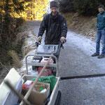 Winterwanderweg Glatteis- und Begehbarkeitspatrouille mit Raupentransporter
