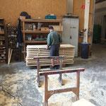 Lehnen fasen für Lechweg-Bänke