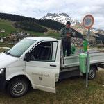 Wegenetz Schilder tauschen auf Sommerbetrieb