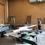 Arbeiten in der Tischlerei für Reparatur Schwimmbadbrückle