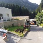 Sockel für Schranken betonieren und Rohrleitungen verlegen ARA