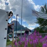 Halte- und Parkverbotstafeln stellen Schlosskopfumkehrplatz