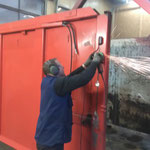 Schneecontainer, Verbesserungsarbeiten an der Hydraulik