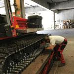Servicearbeiten am Pistenbully Paana