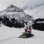 Winterwanderwege präparieren Richtung Zug