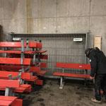 Spazierwegbänke malen und auf Winterbetrieb vorbereiten