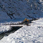 Winterwanderweg Zürs, Sockelreparatur nach Sommerschlagwetter