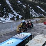 Drittleistung: Baggertransport mit Steyr 6190 CVT und Bigab-Plattformhänger