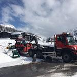 Pistenbully 100 nach Reparaturarbeiten abladen am Omesberg, mit U530...