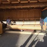 Schnittholz stapeln für Holzlager Tischlerei