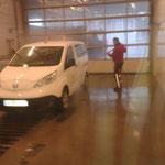 E-Auto reinigen, Waschhalle