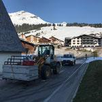 Tanzcafe Arlberg, letzte Bühnenelemente abholen vom Hinterwieslift
