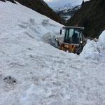 Schneeräumung Richtung Ravensburgerhütte...