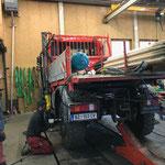 Winterreifen wechseln Unimog 400