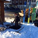 Hülse für Wegweisertafel Partnergemeinde Kampen auf Sylt vorbereiten