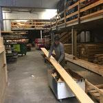 Holz vorbereiten für Wegebau