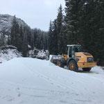 Lader 524, Depot Madloch Schnee verladen...