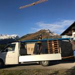 Wassernetzrohre liefern für Baustelle in Oberlech
