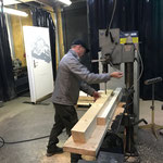 Steher für neues Geländer Loipe Omesberg Montagelöcher bohren