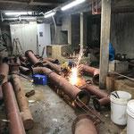 Schneidbrennarbeiten im alten Technikraum