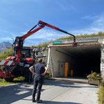 Tunnel Oberlech, provisorische Höhenbegrenzung abbauen...