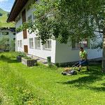 Rasenpflege Haus des Kindes