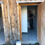 WC Bushaltestellen Formarin/Spuller endreinigen und winterfest machen