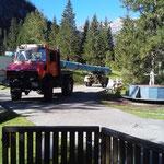 Demontage und Abtransport Abdeckrolle Kinderbecken Waldbad Lech, mit U1600, Nachlaufhänger