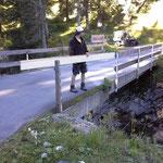 Spullerbach Brückengeländer nach missglücktem Busmanöver reparieren