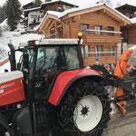 Schneeräumung nach Warmwettereinbruch, mit Steyr 6190 CVT/Hängerfräse
