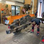 Fahrcontainerhänger fertigstellen in der Werkstatt