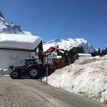 Schnee greifern am Tannberg, mit Steyr 6190 CVT und Palfinger Epsilon