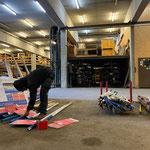 Alte Loipenschilder abmontieren für Neugestaltung