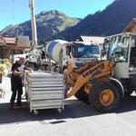 Bühnenabbau- (nach letztem LZTG-Heimatabend) und Transport von der Postgarage zum Bauhof zwecks Reinigung und Service