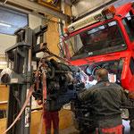 Unimog 1600, Motor einbauen
